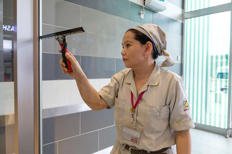 Dịch vụ vệ sinh công trình sau xây dựng chuyên nghiệp.