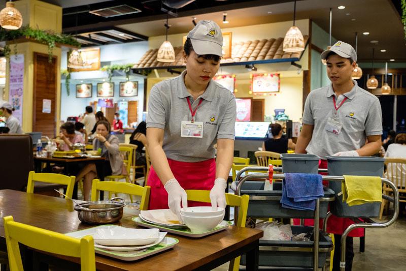 Dịch vụ vệ sinh theo giờ TPHCM và Hà Nội công nghệ hiện đại, đạt chuẩn quốc tế.