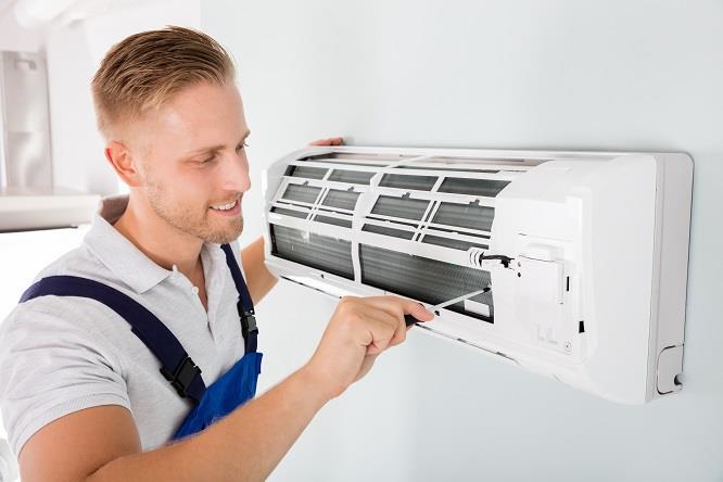 Dịch vụ vệ sinh máy lạnh chuyên nghiệp tại TPHCM.