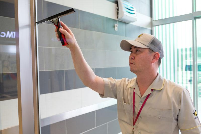 Dịch vụ vệ sinh nhà mới xây chuyên nghiệp tại TPHCM.
