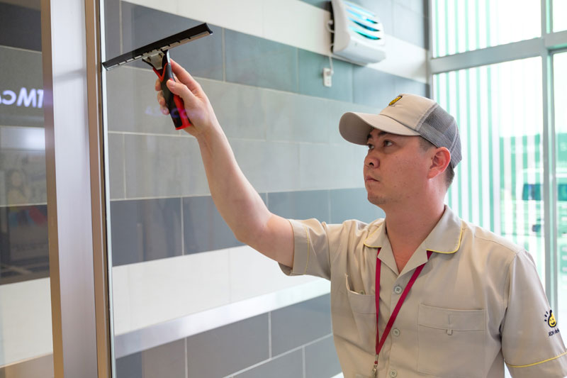 Dịch vụ vệ sinh nhà sau xây dựng chuyên nghiệp tại TPHCM.