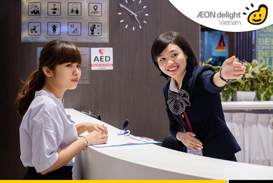 Quản lý chăm sóc khách hàng tại trung tâm mua sắm chuyên nghiệp.